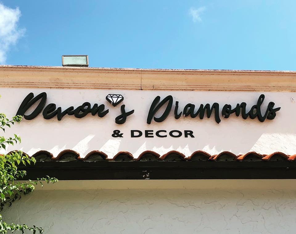 Devon's Diamonds & Decor